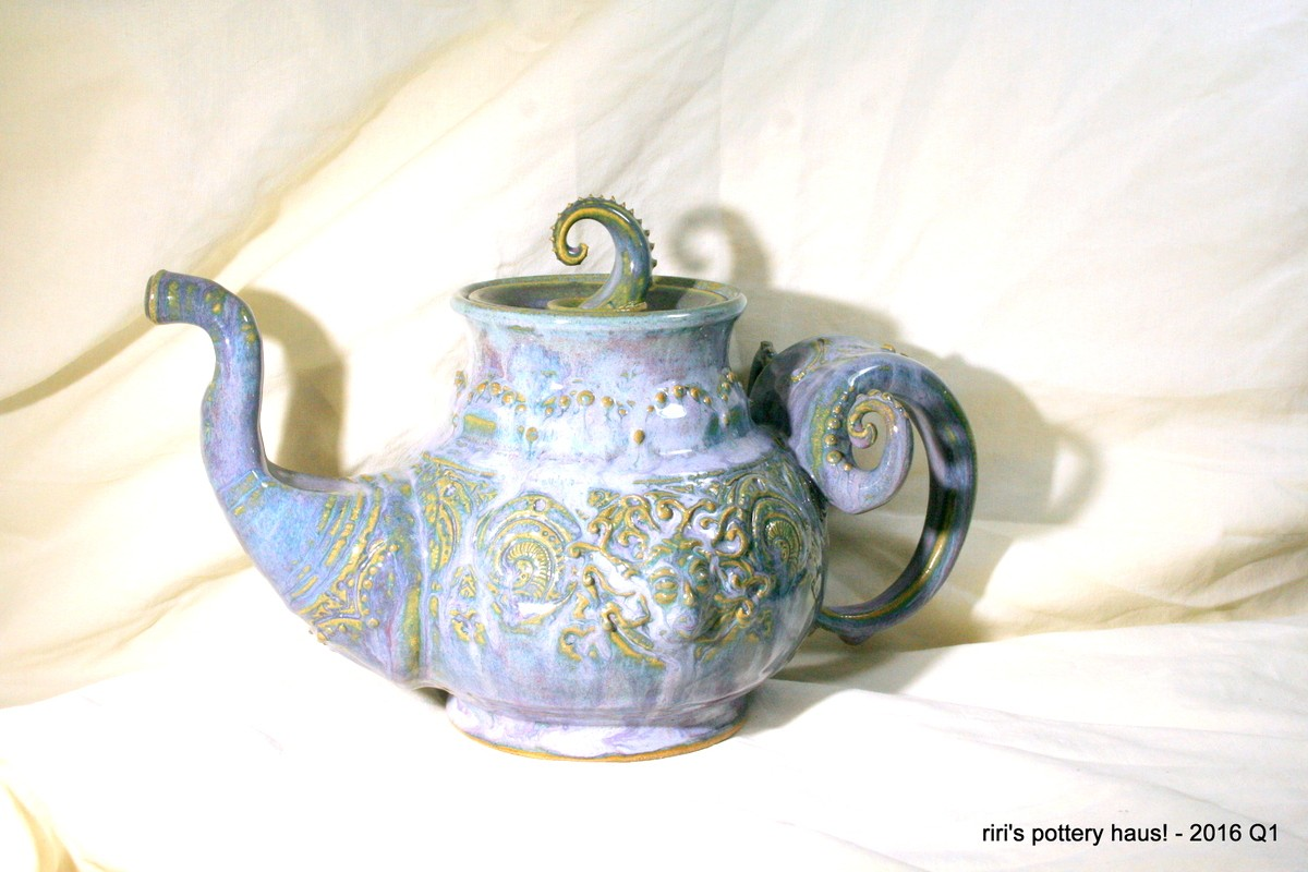 Sculptural Medusa teapot in Downy Amethyst